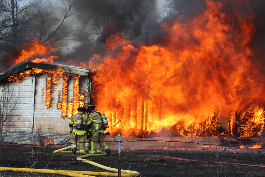 Departments fight blaze in Princeton