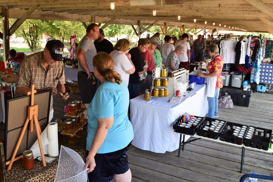 Farmers and Fleas celebrates 13th year of local markets