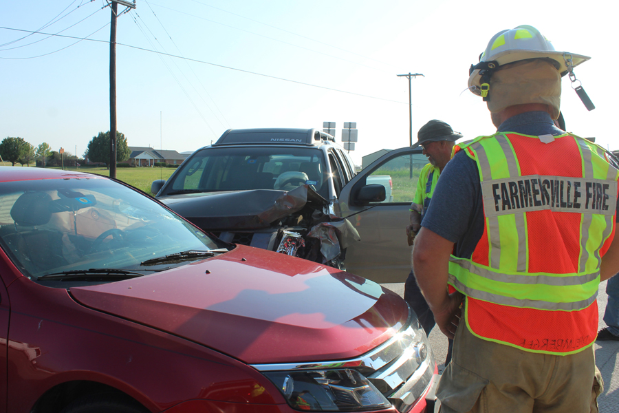 Wreck impedes traffic on Hwy. 380
