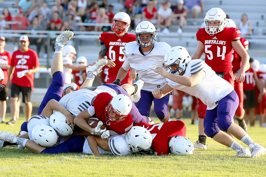 Farmers face off against Lone Oak for scrimmage