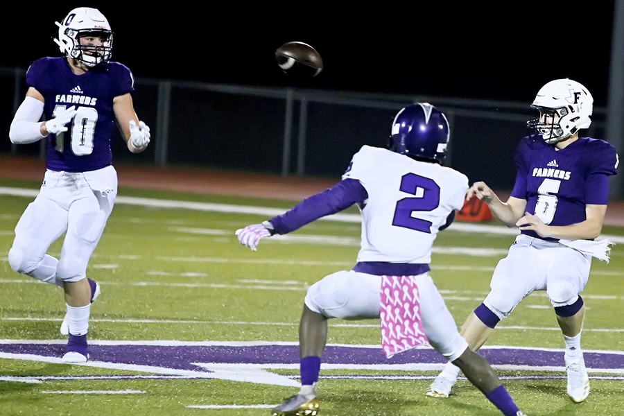 Tiger tamers: Farmers collect first victory on Homecoming