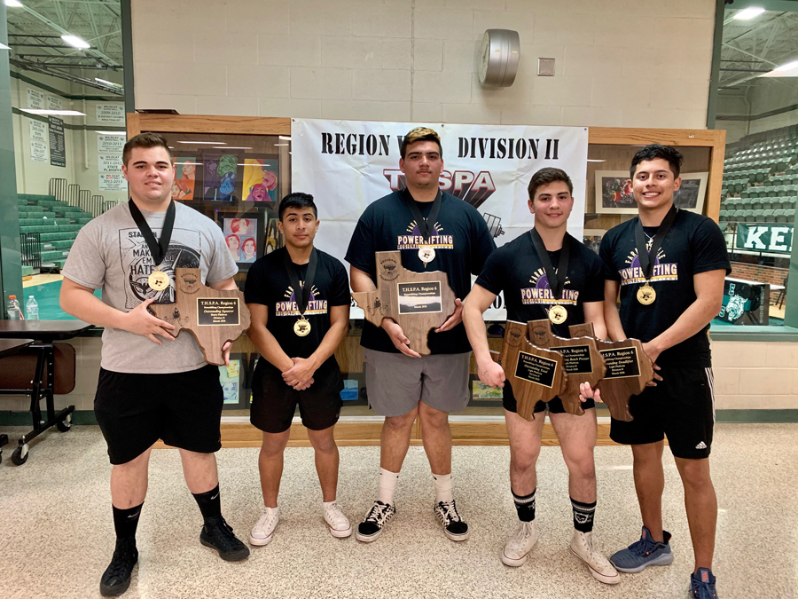 5 powerlifters qualify for state