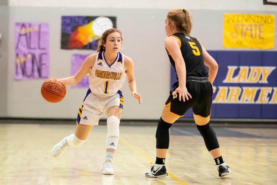 Girls basketball lights up scoreboard against Collinsville