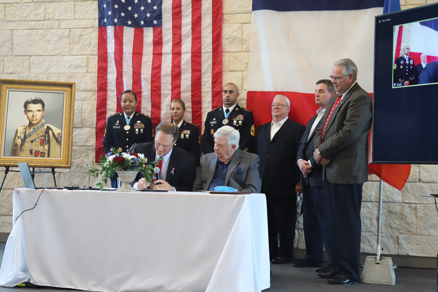 Farmersville bond forged with French city